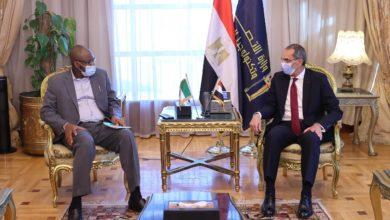 عمرو طلعت وزير الاتصالات المصري مع نظيره النيجيري